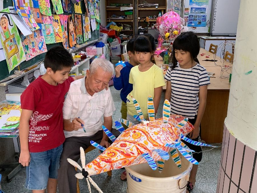 臺中市政府教育局用心 傳統花燈技術傳承有成
